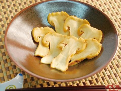 Matsutake sashimi / 松茸さしみ