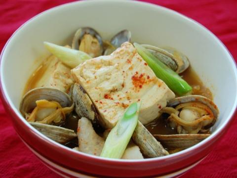 Korean-Style Tofu Dish<br/>豆腐のチゲ風さっと煮