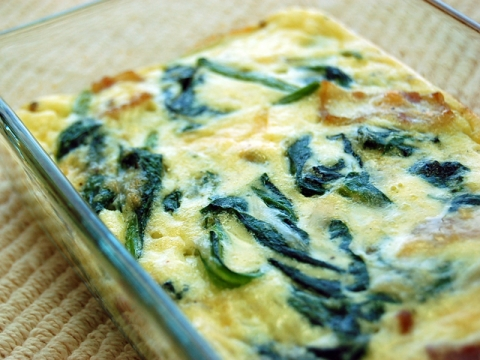 Spinach and Bacon Quiche<br/>ほうれん草とベーコンの簡単キッシュ