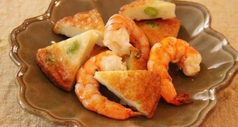 Nijiya Satsuma Age and Shrimp Sauté<br>ニジヤさつま揚げと海老のさっと炒め