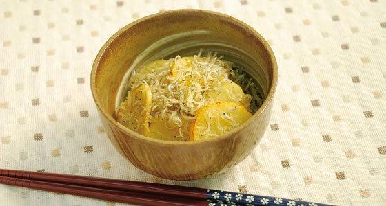 Quick Stir-Fried Takuan with Chirimen<br>たくあんとちりめんのささっと炒め